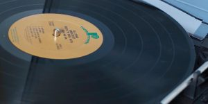 how-to-skip-songs-on-a-record-player